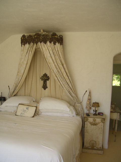 The Simple Bed Canopy Of This Bed Is Just My Style.