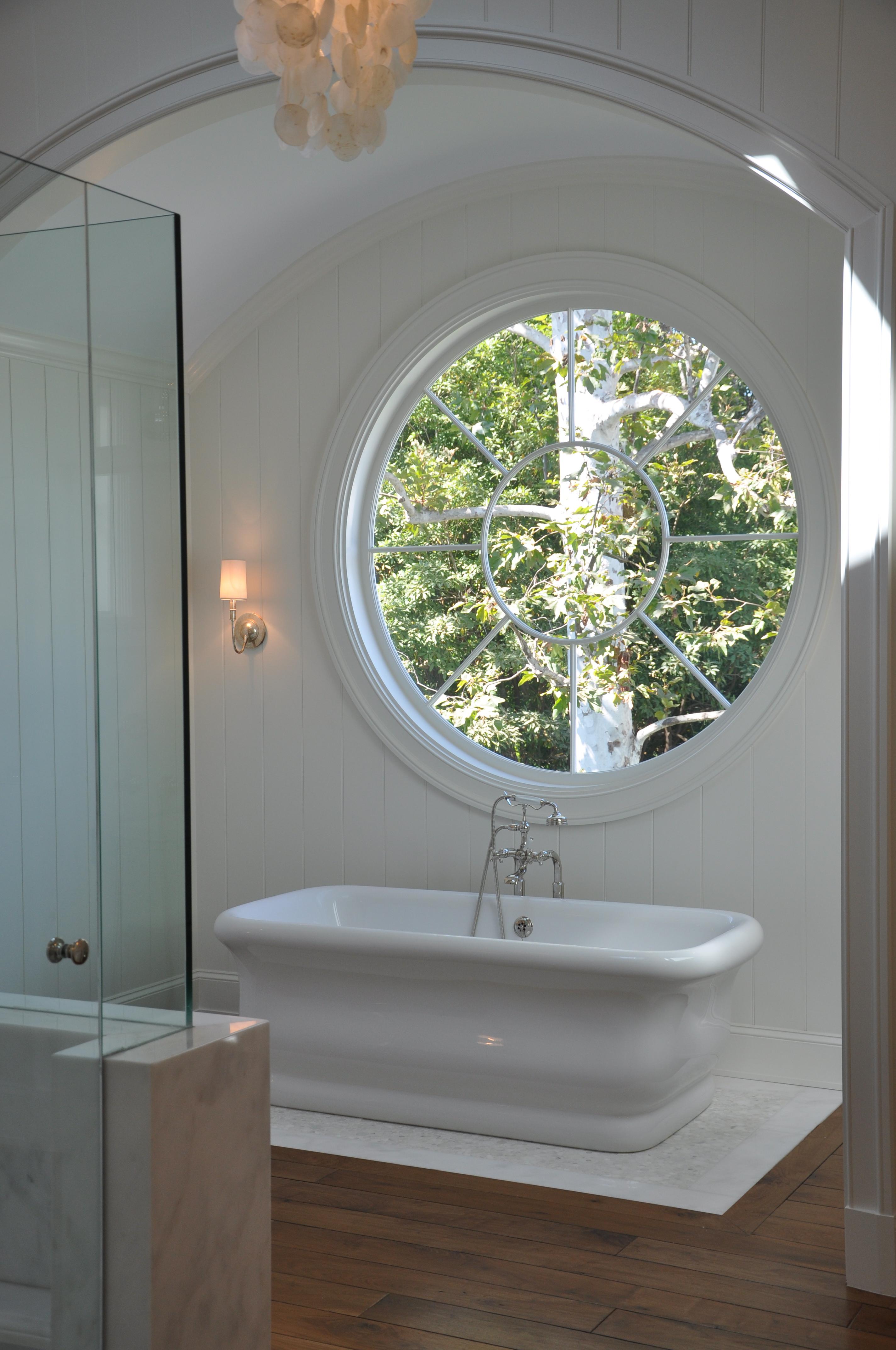 219 north cliffwood.... the all white bathroom - Velvet & Linen