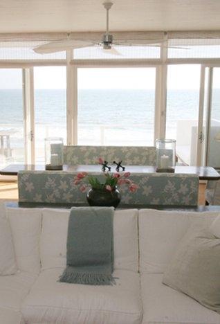 Lounge-1169458200