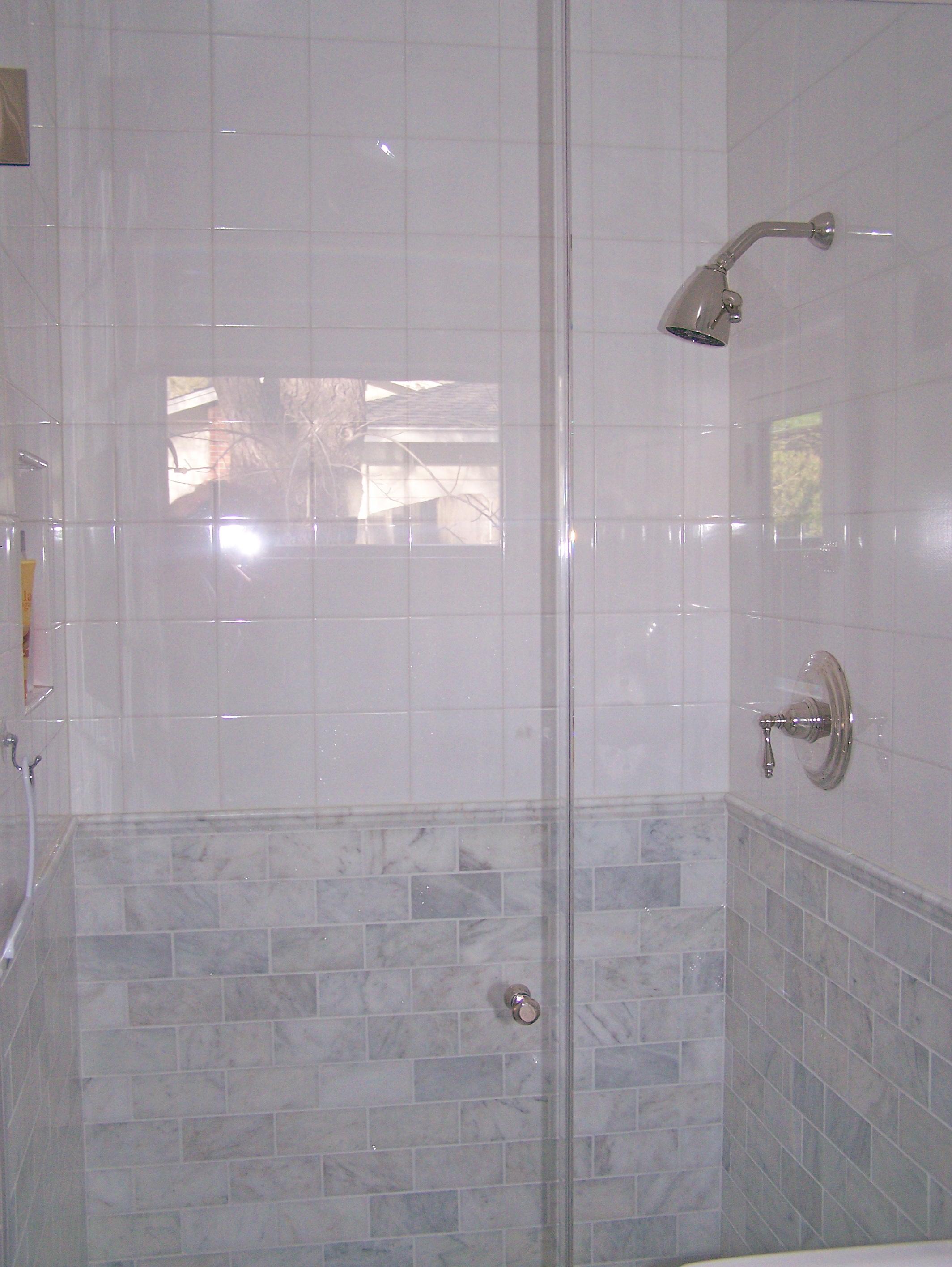 how to make a small bathroom feel bigger... - Velvet & Linen