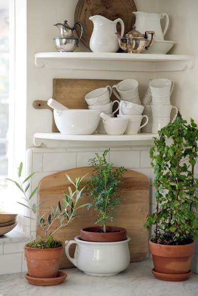 NOH-Giannetti-1-10-kitchen-shelves-2