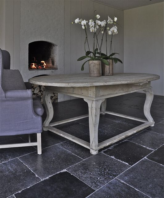 Unique oval table Tuscany 18th L218 W150 H81