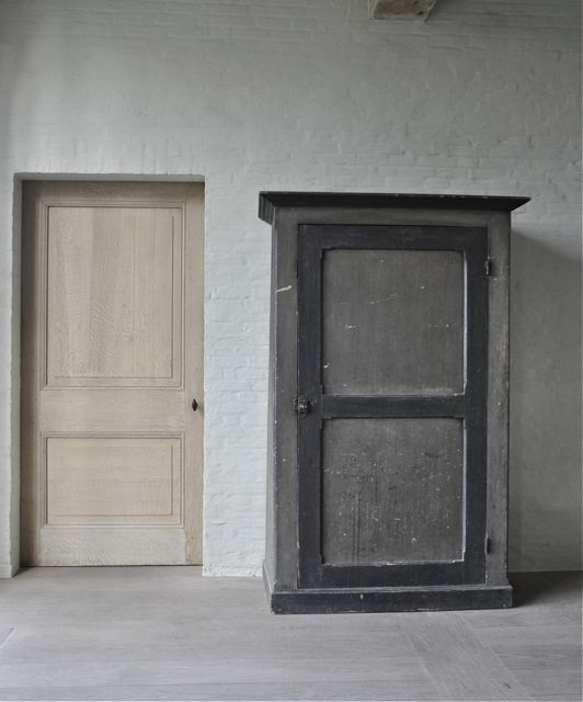 Cabinet Savoie 18th H173 W112 D50