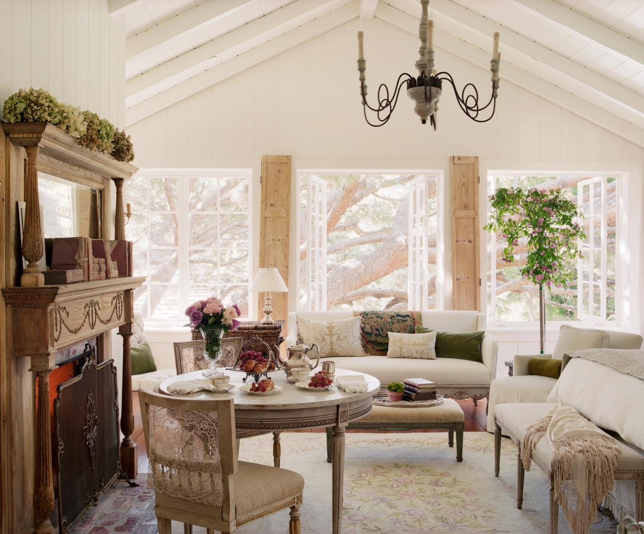 fireplace in the bedroom velvet linen romerein giannetti sm s1 03 flat