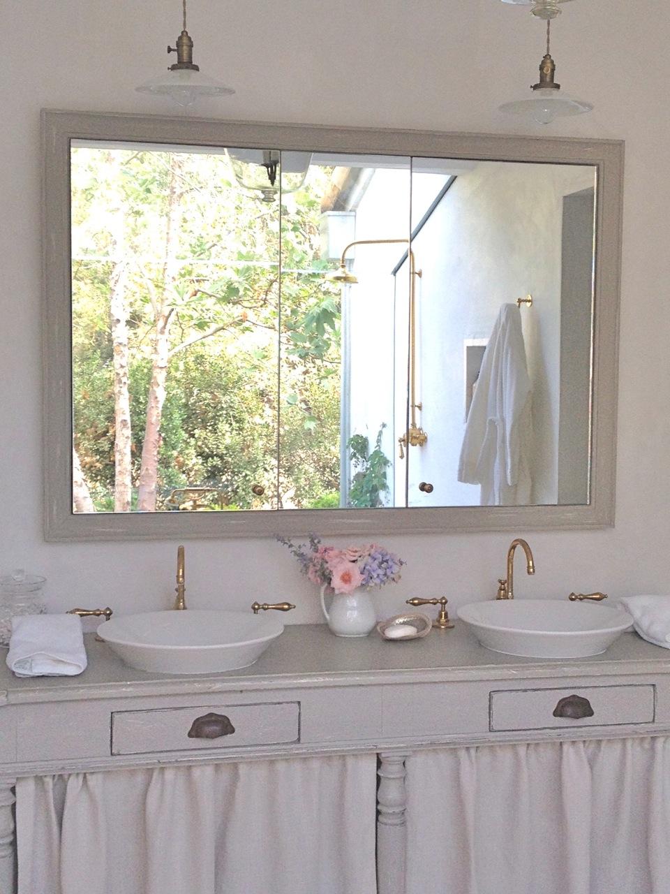 Elegant Velvet and Linen Patina Farm Master Bathroom