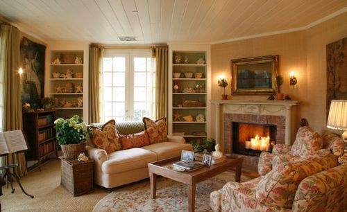 Cozy Living Room: Velvet & Linen